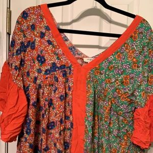 Umgee Floral Tunic Size L